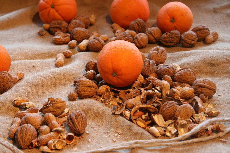 Christmas Christmas Decoration Close-up Food Food And Drink Fruit Healthy Eating Nut - Food Oranges Walnut Shades Of Winter
