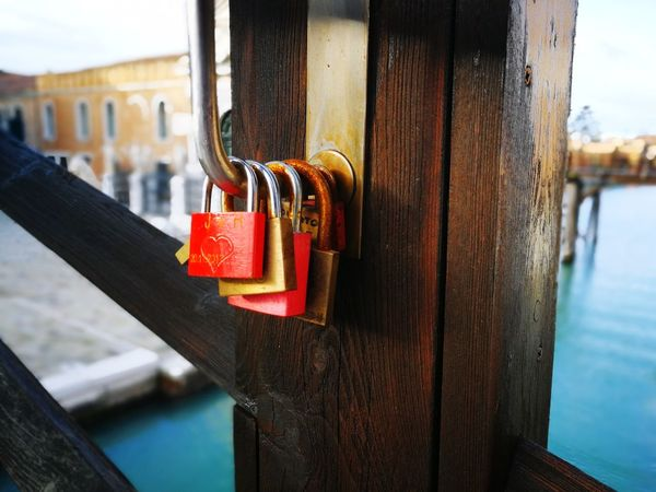 Venice Love Bridge Locked Love Memories EyeEmNewHere Eye4photography  EyeEm Best Shots Photography Colorful Lock Red Architecture Love Lock Hanging Luck