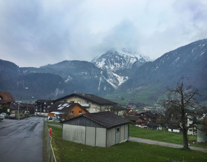 Check This Out Chalet Village Outdoors Outdoor Photography Daytime Valley Mountains Switzerland Quaint  Idyllic Nobody Landscape Picturesque Village Scenics Scenery Picturesque The Great Outdoors - 2016 EyeEm Awards