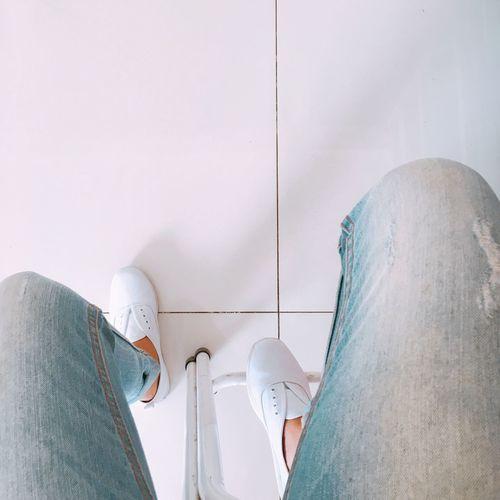 เดินมานานมันเหนื่อย หยุดพัก… พักนึงก็ดีนะ Sneakers Relax Jean