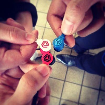 Colouders unite! :)) hahaha cool colors... RedBlack Redwhite Blue Coloud colors