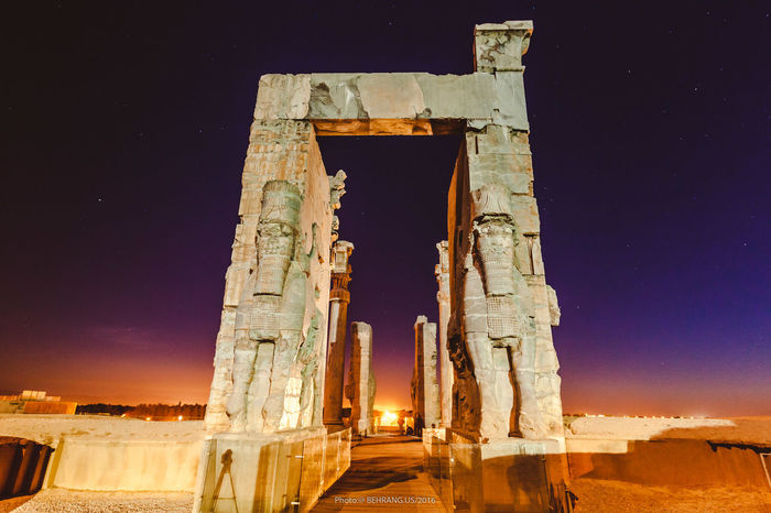 Iran Supermoon Perspolice Behrang.us Mixedlighting Moonlight Ancient Palace Herritage Ancient Architecture Ancient Ruins Irantravel Ledlighting Supermoon2016
