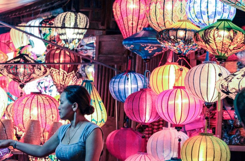 Variation Lantern Large Group Of Objects Multi Colored Person Collection Retail  Choice Arrangement Young Adult Order Vacations Full Frame Lights Lighting Equipment Hoian  Vietnam Lifestyles Hello World Lightning