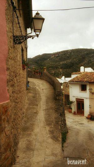 Vall De Gallinera Alpatró cara amunt.