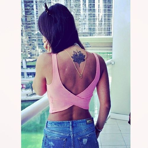 I have a thing for backless tops. That thing is called obsession. Ootd Ootn Dubaistreetstyle Lebanesestreetstyle backless summer spring fashion style tattoo yugen lotusflower necklace backlace instafashion likeforlike dubaiblogger yugenjewelry dubai uae