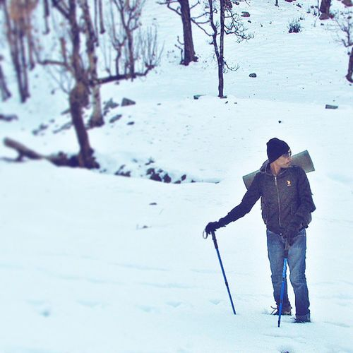 There are quite a few things in this world that everybody shud experience. And snow is definitely one of them!! 😍❄⛺📷🌏 Snow Hima  Himalayas Incredibleindia Instaindia India Amust Visitindia Visithimalaya Awsm Experience Instafriends Instagramhub Travel Trek Snowtrek Lovedit Feelinggood Akrfoto Done That.