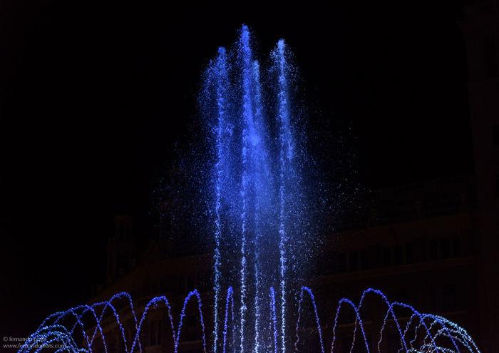 New Year Around The World Barcelona Water Creative Light And Shadow