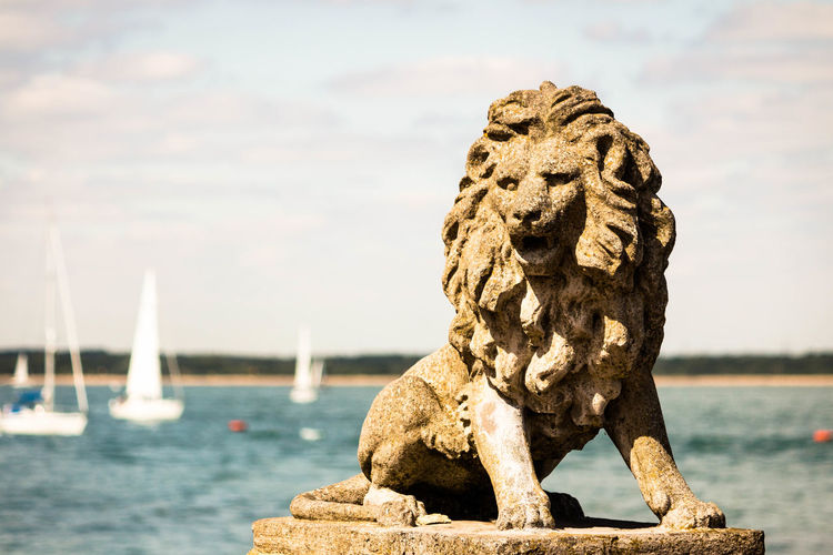 Day Harbor Isle Of Wight  Lion Ocean Sculpture Sea Stone Water