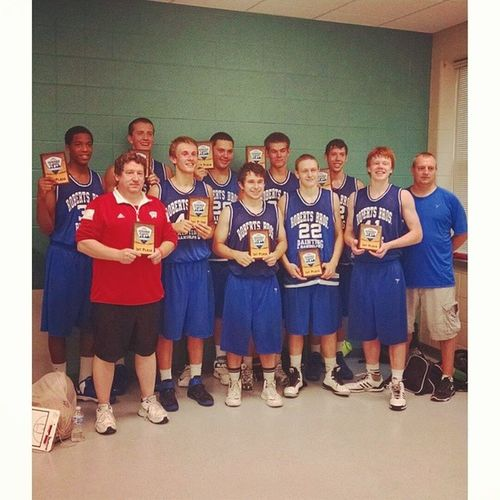 One hell of a season boys, wouldn't trade this team for anything! Squad RobertsBroFam Weoutchhere Champs