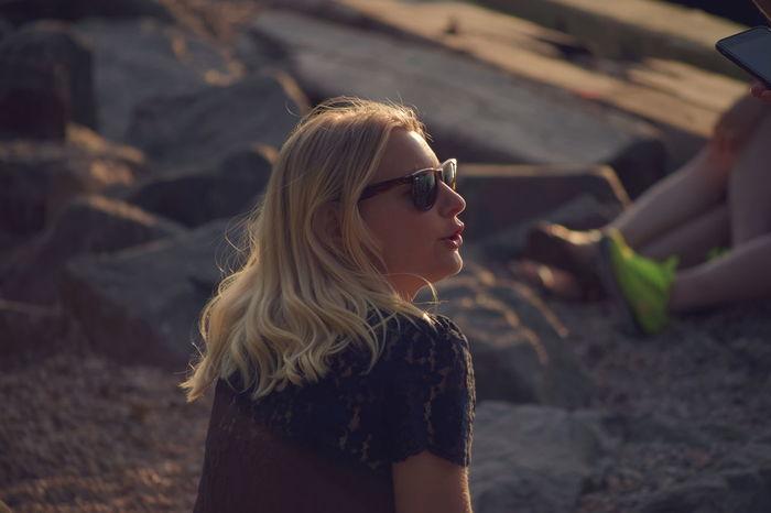 Women Around The World New York NYC NYC Photography DUMBO Brooklyn Bridge Sunset Candid Candid Photography Nikon Nikonphotography Travel