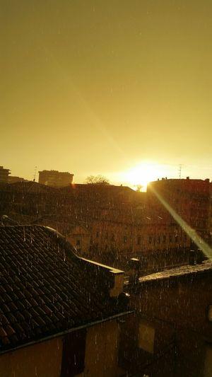 Tramonto con pioggia..Sunset Rain Modena Pioggia Piove Original Photo Rainy Days No Filter No Filter, No Edit, Just Photography Sunset Rain Bad Bad Day