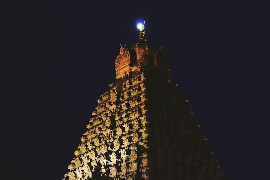Indian Temple Dark Ancienttemple Chola Ancient Architecture Indian Architecture Architecture 1000 AD Veryold Thanjavurtourism Thanjavur_Tamil Nadu Thanjavur