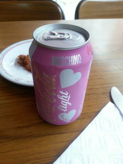 Coca Cola Ligth Moschino Pink Ankara Seksi Coca Cola Light Taking Photos Hello World Love