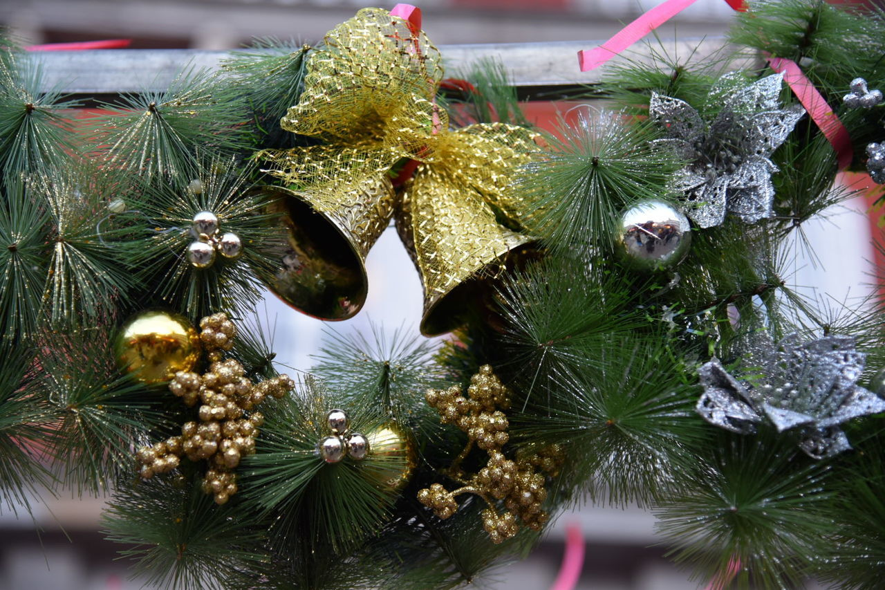 no people, christmas decoration, christmas, christmas tree, indoors, christmas ornament, close-up, low angle view, tree, day, nature