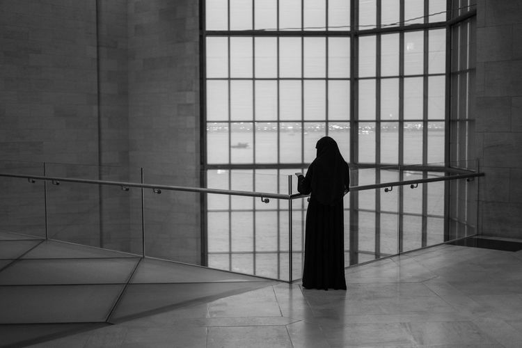 Solo Alone Doha Ijas Muhammed Photography Standing Adult Architecture Blackandwhite Building Flooring Indoors  Lifestyles Muslim One Person Qatar Real People Solo Standing Story Window Women EyeEmNewHere Focus On The Story Adventures In The City #FREIHEITBERLIN The Still Life Photographer - 2018 EyeEm Awards The Photojournalist - 2018 EyeEm Awards