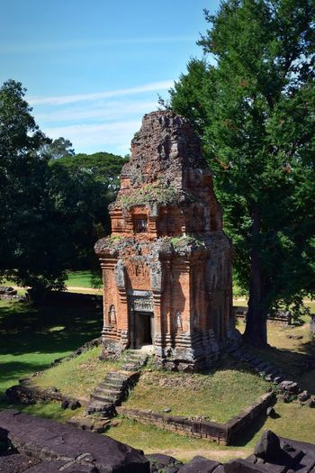 Ruins of temple against sky