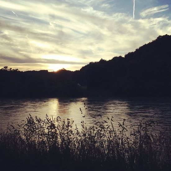 Sommerabend am Fluss. Sommer2014 Juni Twinklinstar Wasserburg inn oberbayern neueheimat hierbinichdahoam latergram