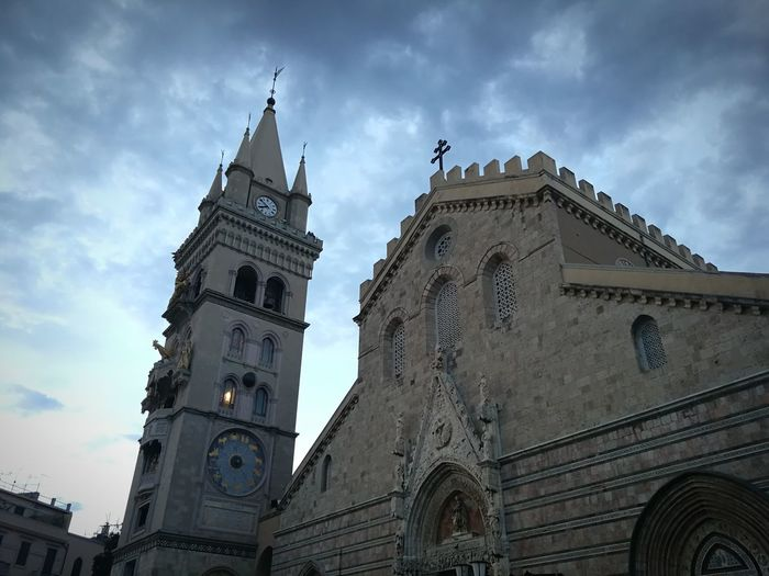 ⛪📷🎆 Sicilia Messina Tradizione Piazza Antique Italy City Clock Clock Tower Politics And Government Clock Face History Religion Sky Architecture Building Exterior Cathedral Catholicism Tower Astronomical Clock Church Christianity Astrology Sign