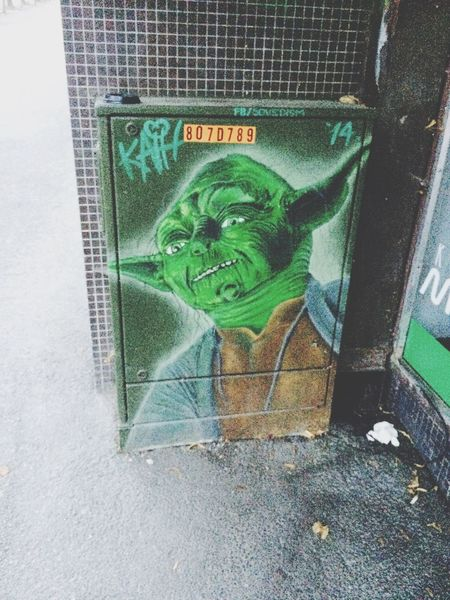 Yoda Graffiti Cool