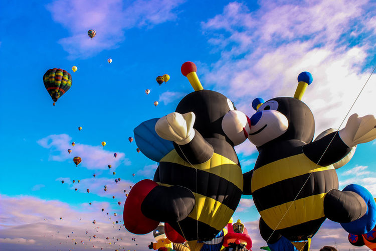 Adventure Albuquerqueballoonfiesta Bee 🐝 Celebration Colorful Flying Happy Love Hot Air Balloon In The Mood For Love Kiss Love Love In The Sky Mid-air Multi Colored Outdoors Tourism Traditional Festival Vibrant Color Miles Away Neighborhood Map Go Higher