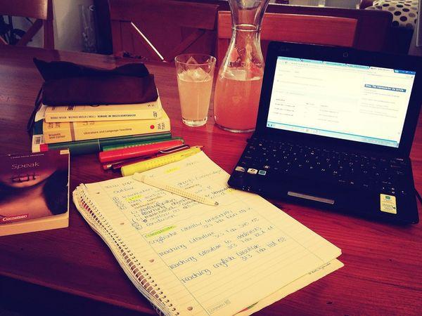 garpefruit water, term paper & heat! SUMMER BREAK YAY