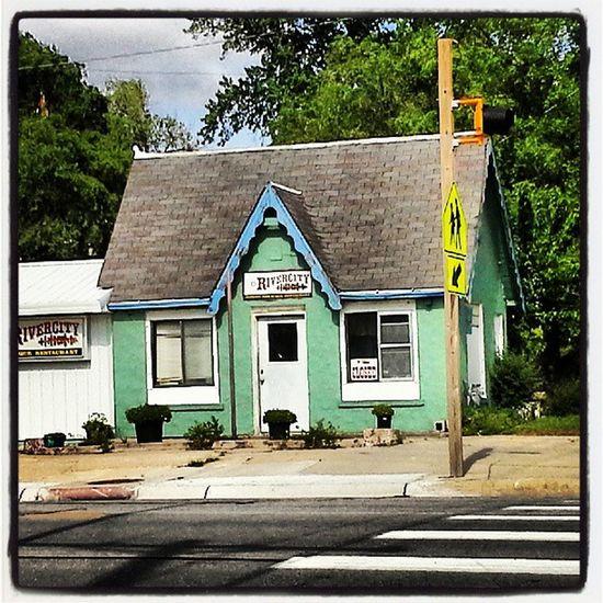 Changes Beatrice Rivercity  Architecture_magazine Littlehouse Everchanging Littleshop