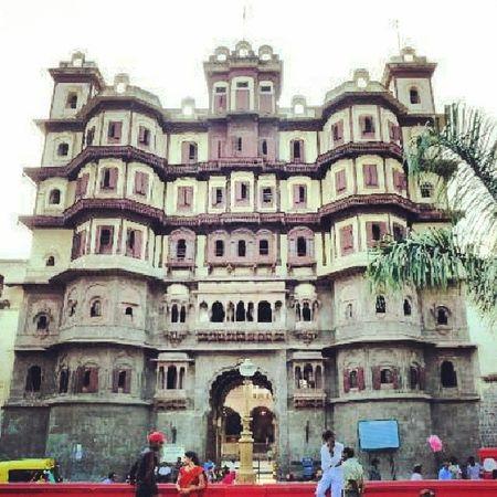 Rajwada,old city indore,went there for a urban design studio.was a good experience alltogether. Indore Rajwada Madhyapradesh Exploration studypurposepicoftheday