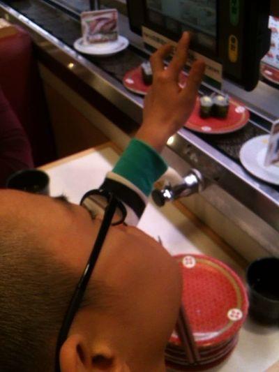 Sushi Akiphoto Enjoying Life Streamzoofamily 😌✋🎵