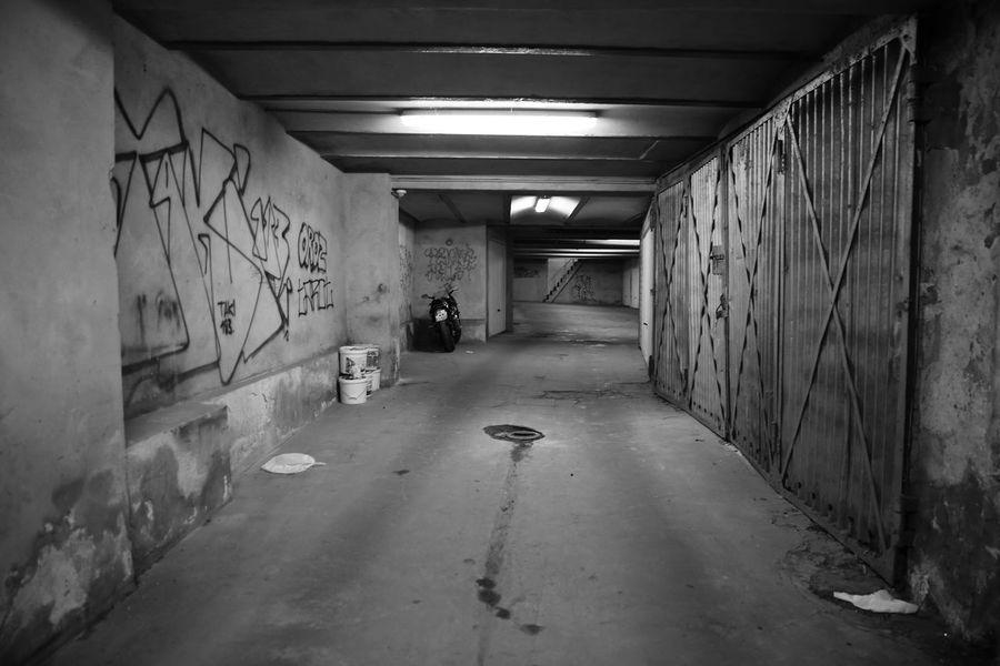 Architecture Berlin Berliner Fotoapparat Building Corridor Garage No People Prenzlauer Berg S/w Trzoska Tunnel
