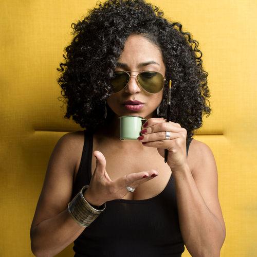 Beautiful Afro Beautiful Woman Cofee Coffee - Drink Coffee Cup Curly Hair Eye4photography  Fashion Luisgonçalves Luisgonçalvesfotografia Portrait Santiagodecompostela Studio Shot Sunglasses Yellow Yellow Background