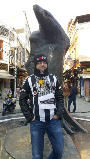That's Me Hello World Taking Photos Hanging Out Check This Out Enjoying Life Hi! Besiktascarsi çArşı Asi Ruh BJK1903 BJK Semtcocukları Siyahbeyaz Eagle