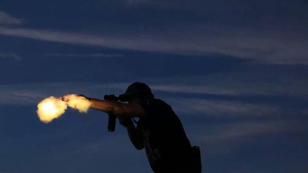 Taking Photos That's Me Dragon Gun Range