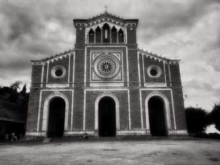 Cortona Toscana Italy Church Blackandwhite IPhoneography Travel Taking Photos Shades Of Grey Giampaolomajonchi.it