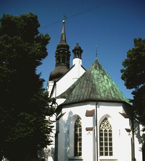 Oldchurch Steeples White Building Green Accent Copper Roof Bluesky Trees Stacked Tiered Seeing The Sights