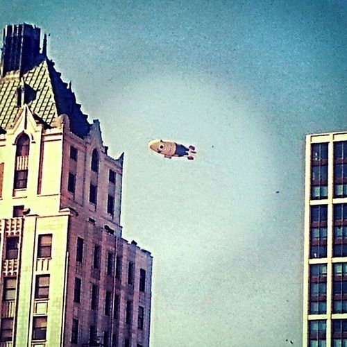 Say Cheeeeeeese!!! Minion  Minionblimp Chicago Despicableme2blimp despicableme2 sightings