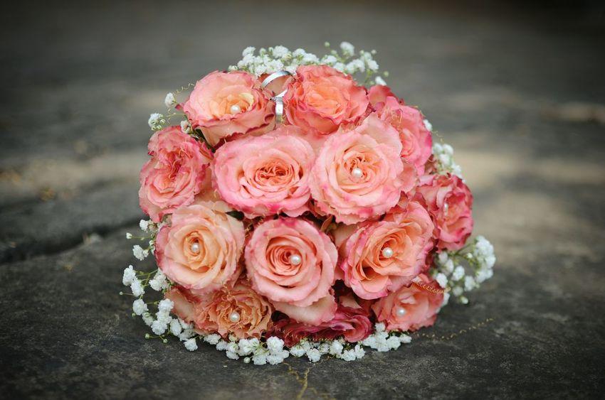 Justmarried Brautstrauss Hochzeitsfotografie Hochzeitsringe Hochzeitsshooting Rose🌹 Wedding Wedding Rings Weddingflower