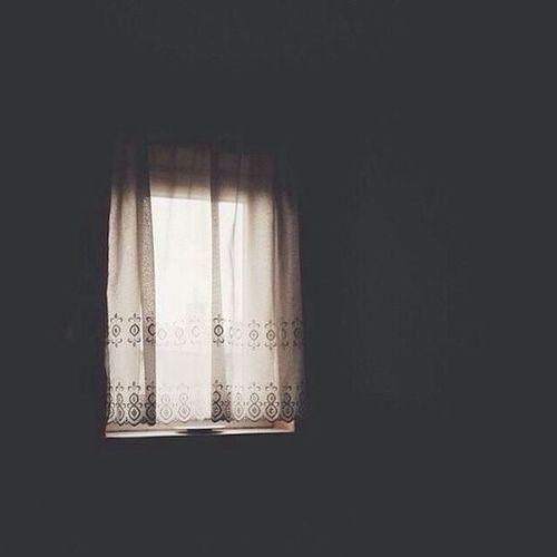 أخجُل منك يالله حين أصحوا مكتمِلة الصحة و العافية ثمً أفكر بأحلامي قبلَ أن أشكُرك على ما أنعمت به عليّ من نعمٍ لا تُحصى ؛ ف يارب أغفر ليّ .