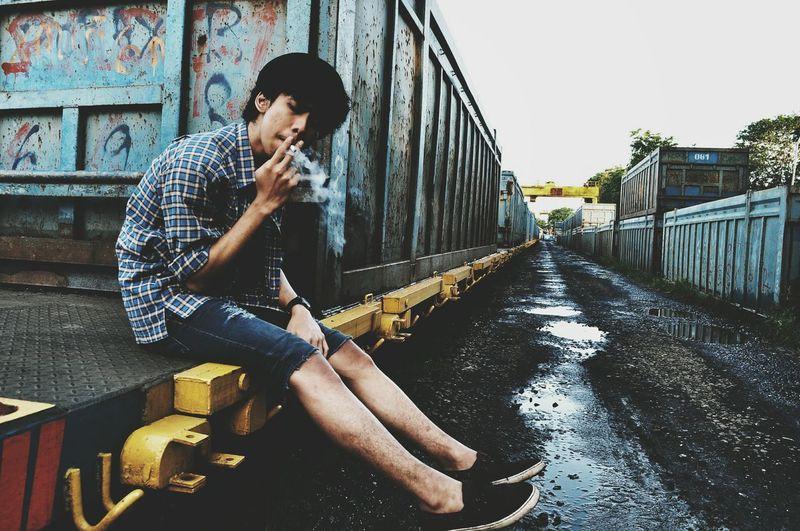 Smoker Face Relaxing Populer Photos Taking Photos Hi! INDONESIA Bekasi Hello World Freakday Alone