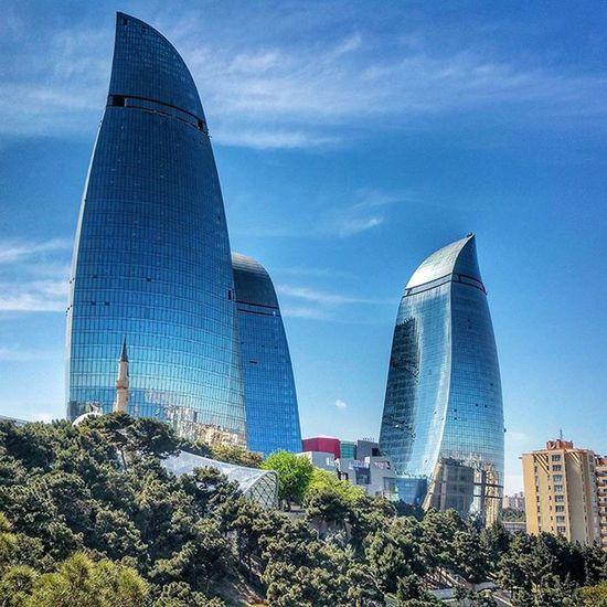 I missed Baku... 😊😊😊 Flamethrower Flametowers Baku Azerbaijan Travelers Travel Instagram Love Like4like Likeforfollow Likes4likes Baku Azerbaycan Tower Capital Color Colorful