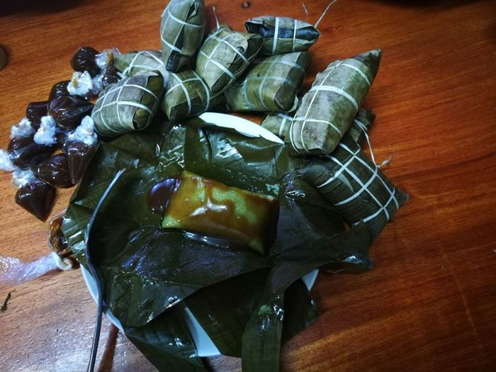 Sumam Latik In The Philippines... A Delicacy Made Out Of Glutinous Rice Qith Coco Jam Sauce... Yum Yum Yum...