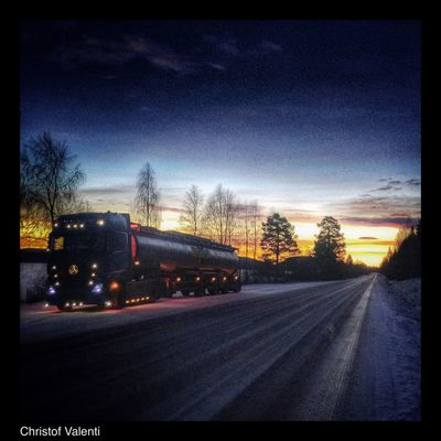 Eye Em Around The World Hdr_Collection Streamzoofamily Work Winter North Trucking Mercedes