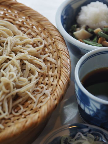 二八蕎麦を冷やしの山菜おろしで!美味♪Food Table Meal Japanese Food Relaxing Foodphotography In My Mouf Foodporn Yummy Foodgasm Enjoying A Meal Soba Taking Pictures Talking Pictures Foodie Foodgram Foodstagram Noodles Radish Vegetables Healthy Eating