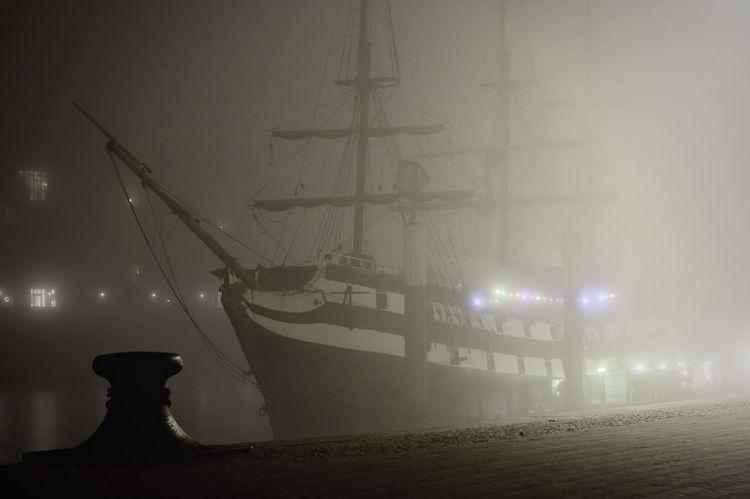 "Pannekoekschip ""Admiral Nelson"" im Nebel Admiral Nelson Bremen Fog Germany Nebel Night No People Outdoors Pannekoekschip Schlachte  Ship Weser EyEmNewHere"