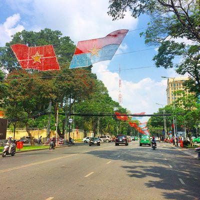 Saigon Streetphotography Green Sky City