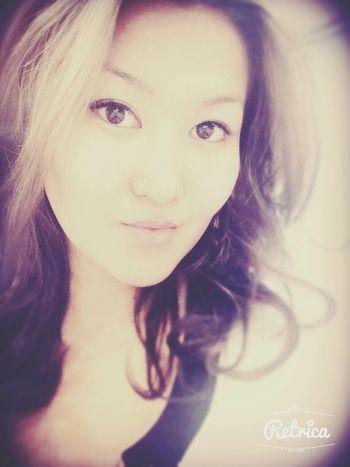 Красота женщины не в , фигуре или прическе. Она в блеске глаз. Ведь глаза -это ворота в сесердце, где живет любовь.