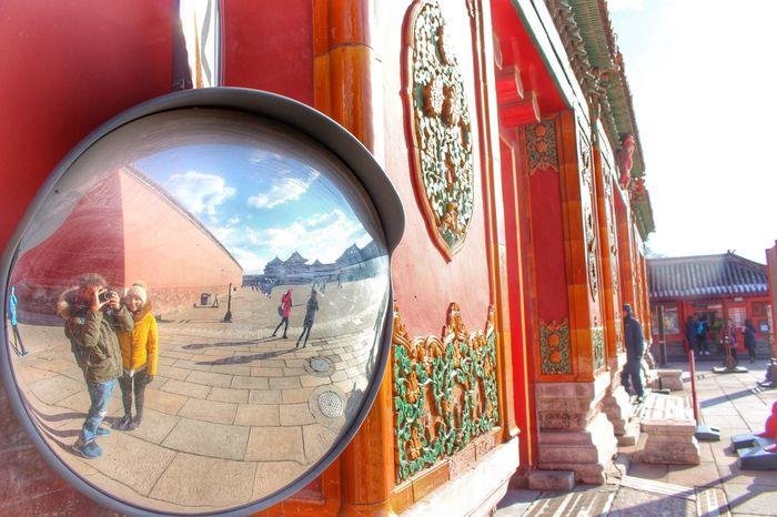 Cityscapes Travel Photography Hello World Mirror Traveling Streetphotography Aroundtheworld Memycameraandi Camera That's Me