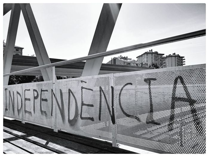 Independence Independencia Catalunya Catalonia Catalonia Is Not Spain SPAIN The Street Photographer - 2017 EyeEm Awards Graffiti Black And White Bridge Spray Paint Referendum
