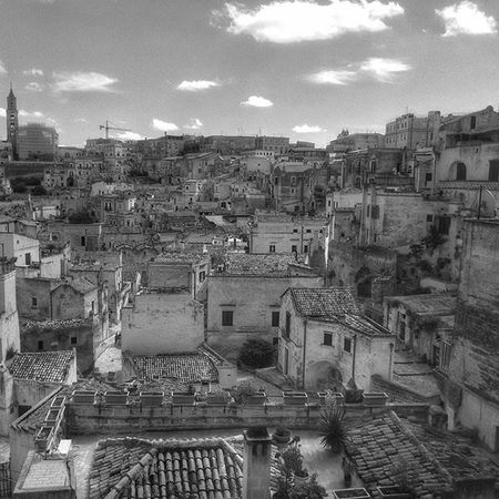 Paths of architecture : from San Lorenzo in Padula to Matera, capital of culture 2019. 8/9 Igers4leicabuildings Igers4leica Igersitalia Igersbasilicata Igersmatera Landscape Paesaggioitaliano Landscape_lovers Dafareamatera Dafareinbasilicata Paesaggidellanima Paesaggio Paesaggi_italiani Architecture Story Architecturelovers Blackandwhite Instagram Photooftheday Igersgallery Igersoftheday Igers