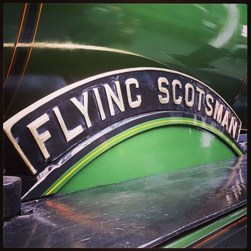 The first Steam train to reach 100mph Flyingscotsman Steamtrain Train