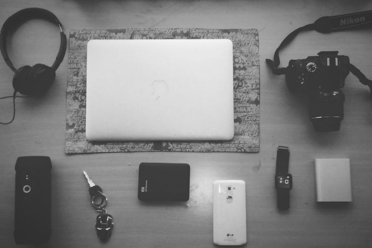 Gadgets and Gizmos :) Techie Apple MacBook Nikon D5100  Lg G2 JBLCharge Air Xiaomi